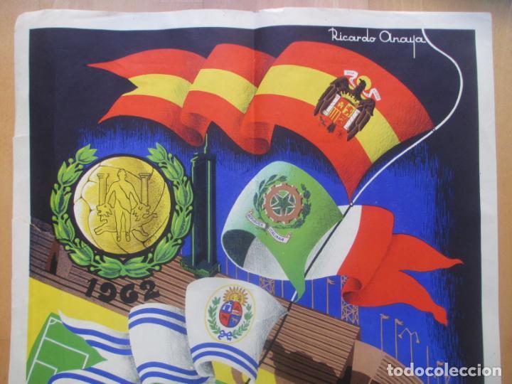 Coleccionismo deportivo: CARTEL FUTBOL VIII TROFEO RAMON DE CARRANZA CADIZ INTER ZARAGOZA BARCELONA PEÑAROL ANAYA 1962 - Foto 2 - 225001820