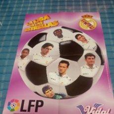 Coleccionismo deportivo: POSTER DEL BALÓN JUGADORES DEL REAL MADRID VIDAL GOLOSINAS LFP 96-97. Lote 235145485