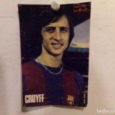 Coleccionismo deportivo: POSTER DE CRUYFF CON LOS COLORES FUTBOL CLUB BARCELONA. Lote 236094690