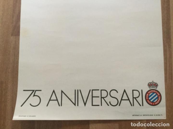 Coleccionismo deportivo: CARTEL FUTBOL REAL CLUB DEPORTIVO ESPAÑOL 75 ANIVERSARI 1975 ESPANYOL - Foto 3 - 236141455
