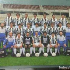 Coleccionismo deportivo: POSTER JUVENTUS F.C. 1988/89 EN CARTÓN Y AUTÓGRAFOS IMPRESOS EN REVERSO.. Lote 236998145