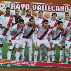 Coleccionismo deportivo: POSTER DOBLE RAYO VALLECANO Y DIEGO COSTA - ESPAÑA - GOLY. Lote 237513180