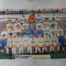 Coleccionismo deportivo: POSTER GIGANTE REAL MADRID CAMPEÓN DE LIGA 87/88. HUMMEL. AS.. Lote 245196115