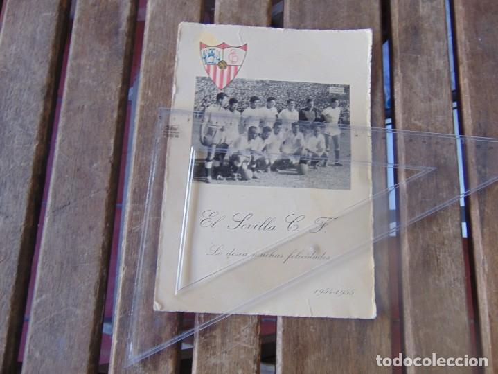 FELICITACION DE NAVIDAD 1954 1955 LES DESEA MUCHAS FELICIDADES EL SEVILLA C. F. FUTBOL FOTO (Coleccionismo Deportivo - Carteles de Fútbol)