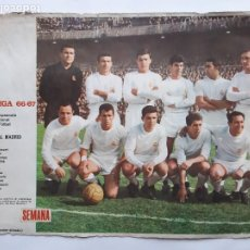 Collezionismo sportivo: ANTIGUO POSTER LIGA 1966 1967 REAL MADRID CARTEL FUTBOL PORTADAS REVISTA SEMANA RV. Lote 254490480