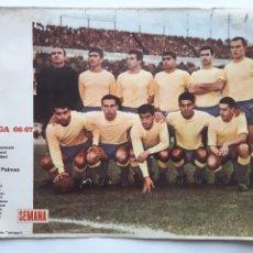 Collezionismo sportivo: ANTIGUO POSTER LIGA 1966 1967 LAS PALMAS CARTEL FUTBOL PORTADAS REVISTA SEMANA RV. Lote 254491595