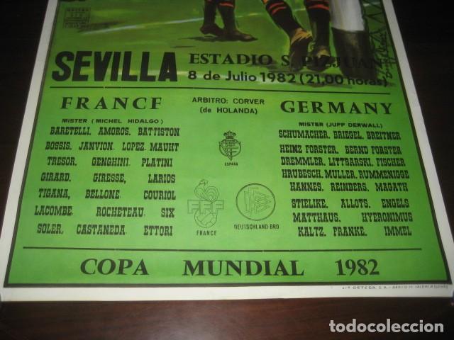 Coleccionismo deportivo: POSTER CARTEL FUTBOL MUNDIAL ESPAÑA 1982. ESTADIO SANCHEZ PIZJUAN, SEVILLA. FRANCIA - ALEMANIA - Foto 3 - 246728330