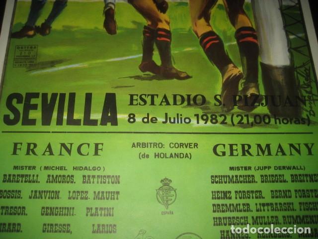 Coleccionismo deportivo: POSTER CARTEL FUTBOL MUNDIAL ESPAÑA 1982. ESTADIO SANCHEZ PIZJUAN, SEVILLA. FRANCIA - ALEMANIA - Foto 4 - 246728330