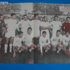 Coleccionismo deportivo: POSTER DE FUTBOL C.D. LEONESA REVISTA SEMANA AÑO 60-61. Lote 268578194