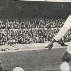 Collezionismo sportivo: ELCHE CF: RECORTE DE GONZÁLEZ ANTE PEREDA. 1969. Lote 269821383