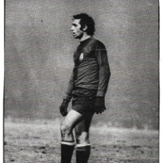 Coleccionismo deportivo: RECORTE DE QUINI CON LA SELECCIÓN ESPAÑOLA EN GLASGOW, CUANDO MARCÓ DOS GOLES. Lote 277729368