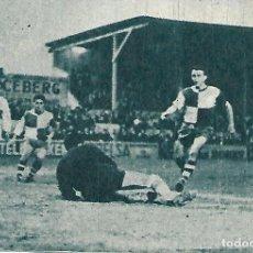 Coleccionismo deportivo: ELCHE CF: RECORTE DE PAZOS EN ACCIÓN. 1966. Lote 288104593