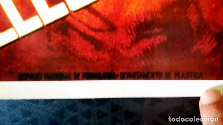 Carteles Guerra Civil: Cartel de la Guerra Civil - Bando Nacional - Ha llegado España- Edicion de Diario 16 en 1976 .58x42 - Foto 2 - 178074657