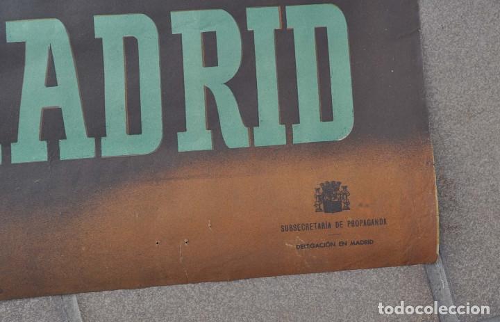Carteles Guerra Civil: CARTEL ORIGINAL.- GUERRA CIVIL.- 7 NOVIEMBRE NO PASARAN.- DEFENSA DE MADRID. 1 M X 69 CM - Foto 6 - 178959242