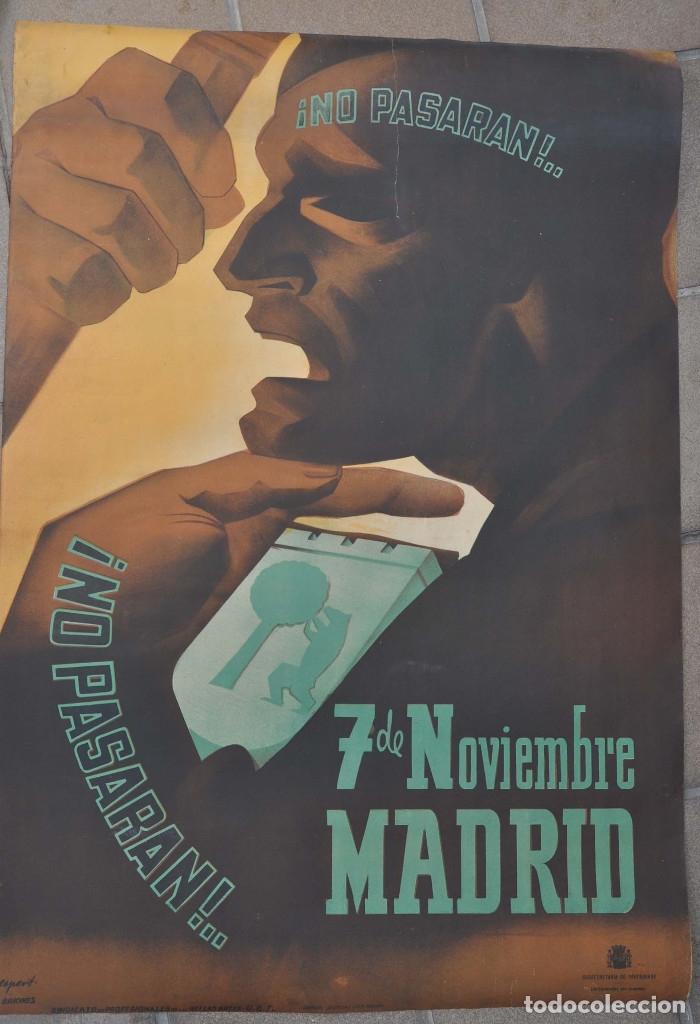 Carteles Guerra Civil: CARTEL ORIGINAL.- GUERRA CIVIL.- 7 NOVIEMBRE NO PASARAN.- DEFENSA DE MADRID. 1 M X 69 CM - Foto 7 - 178959242
