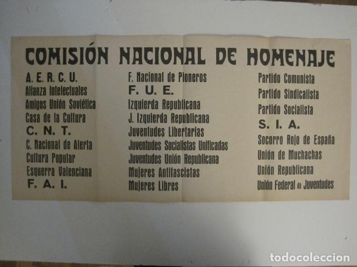 Carteles Guerra Civil: CARTEL PASQUIN GUERRA CIVIL ORIGINAL-COMISION NACIONAL HOMENAJE-CNT FAI-VER FOTOS-(V-17.935) - Foto 2 - 181408912