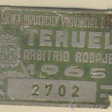 Carteles: MATRICULA DE CARRO--ARBITRIO DE RODAJE- CARRO-TERUEL- 2702-AÑO 1965. Lote 12571920