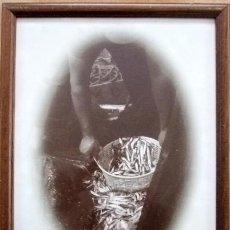 Carteles: PUBLICIDAD DE MANZANILLA SOLEAR DE 43X33 CM. ENMARCADA FOTO DE PIELFOR VERLA. Lote 24626091