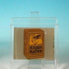 Carteles: ORIGINAL. BANDEJA PARA PAGAR DE CRISTAL LITOGRAFIADO. KLIPP'S KAFFEE. ALEMANIA 1930. Lote 35016091
