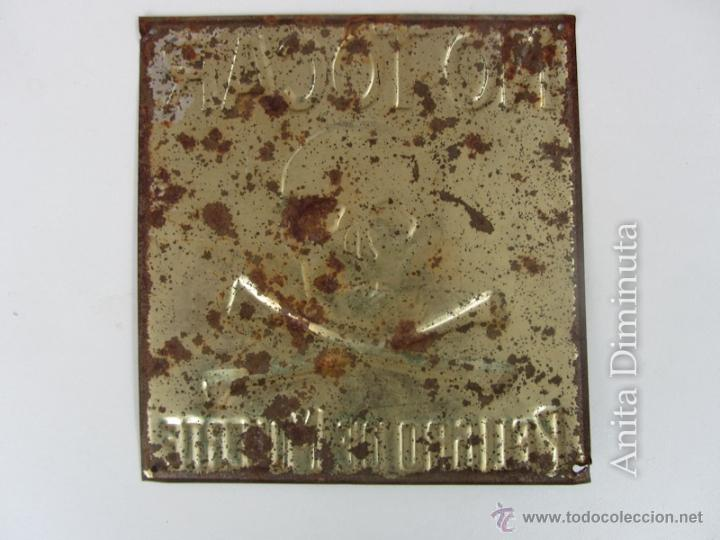 Carteles: PRECIOSA Y ANTIGUA CHAPA LITOGRAFIADA DE PELIGRO DE MUERTE - G DE ANDREIS M.E. BADALONA - AÑO 1957 - Foto 5 - 40931655