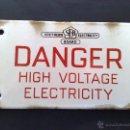 Carteles: PLACA ESMALTADA (SEB) SOUTHERN ELECTRICITY BOARD-DANGER HIGH VOLTAGE (19CM. X 11CM.) DESCRIPCIÓN. Lote 45796842