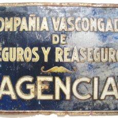 Carteles: CHAPA PLACA EN RELIEVE GRAN TAMAÑO PUBLICIDAD DE AGENCIA SEGUROS COMPAÑIA VASCONGADA. G. DE ANDREIS. Lote 50020817