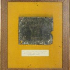 Carteles: PLACA ASEGURADA DE INCENDIOS EN METAL. ESTILO FERNANDO VII. BARCELONA 1839. . Lote 55074172