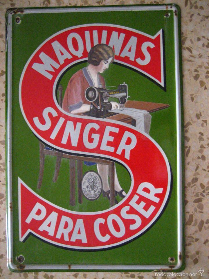 MAGNIFICA CHAPA ESMALTADA DE MAQUINA DE COSER SINGER MEDIDAS 6O X 4O (Coleccionismo - Carteles y Chapas Esmaltadas y Litografiadas)