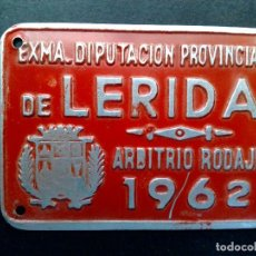 Carteles: CHAPA MATRICULA-ARBITRIO RODAJE,AÑO 1962 DE LERIDA (7CMS A 5CMS.). Lote 77962645