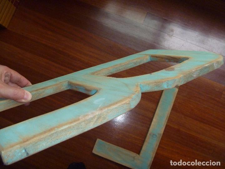 Carteles: Letra L y letra R madera gran tamaño color verde musgo - Foto 3 - 89509684