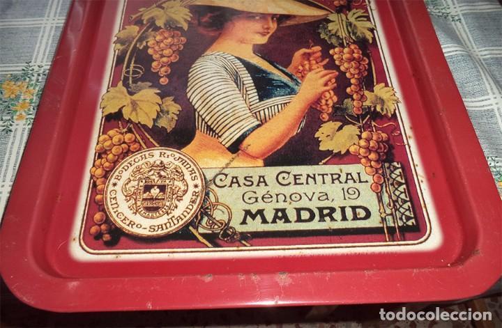 Carteles: ANTIGUA BANDEJA DE METAL PROPAGANDA BODEGAS RIOJANAS CENICERO Mide 49,5/34,5 cm. - Foto 2 - 91209235