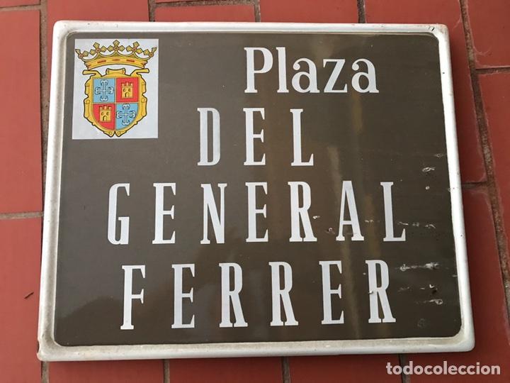 PLACA CALLE GENERAL FERRER DE PALENCIA (Coleccionismo - Carteles y Chapas Esmaltadas y Litografiadas)