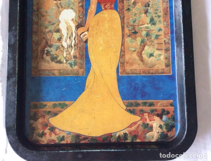 Carteles: BONITA BANDEJA DE CHAPA CON PUBLICIDAD DE CAVA CODORNIU - Foto 3 - 86974292