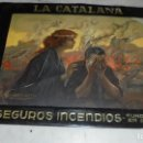 Carteles: ANTIGUA CHAPA LITOGRAFIADA - LA CATALANA SEGUROS INCENDIOS FUNDADA 1865 AUTOR GUERZON 45,5X34,5 CM . Lote 106947059