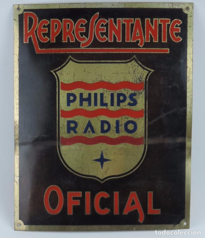 CHAPA ESMALTADA DE REPRESENTANTE PHILIPS, RADIO OFICIAL, MIDE 33 X 26 CMS. (Coleccionismo - Carteles y Chapas Esmaltadas y Litografiadas)