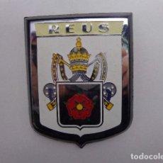Carteles: PLACA CHAPA DE REUS CON MARCO DE PLÁSTICO AÑOS 70. Lote 110422023