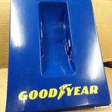 Carteles: GOOD YEAR, EXPOSITOR RUEDAS.. Lote 110676299