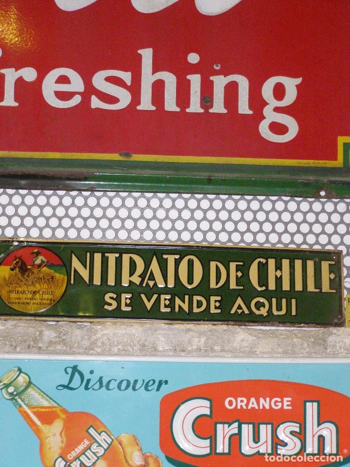 Carteles: Chapa Nitrato de Chile. Se vende Aquí (69,5X16,5 cms). Años 1930s. Muy rara. - Foto 6 - 111528375