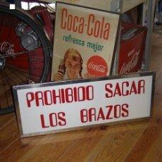 Carteles: LETRERO FERIA ATRACCIONES PROHIBIDO SACAR LOS BRAZOS. EN RELIEVE.. Lote 114608339