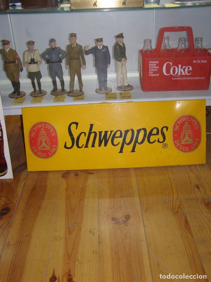 CHAPA SCHWEPPES. ORIGINAL DE 1960-70S. MEDIDAS: 70X50CMS (Coleccionismo - Carteles y Chapas Esmaltadas y Litografiadas)