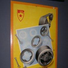 Carteles: ANTIGUO CARTEL PIRELLI CARTÓN EN RELIEVE. POLEA COMPUESTA. ORIGINAL DE 1950-60S. Lote 116175371