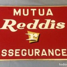 Carteles: ANTIGUO CARTEL MUTUA REDDIS ASSEGURANCES LETRAS EN RELIEVE ORIGINAL MUY BUEN ESTADO. Lote 116597271