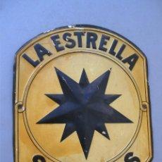 Carteles: PEQUEÑA CHAPA SEGUROS LA ESTRELLA , EN RELIEVE, 23X18CM APROX - ANDREIS BADALONA. Lote 126136419