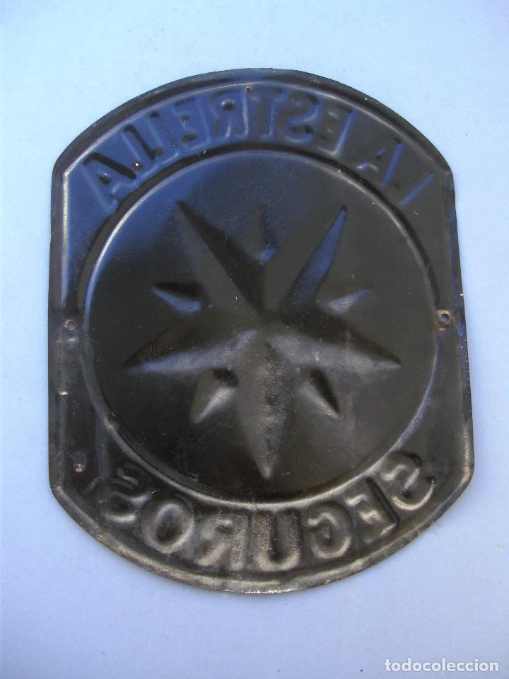 Carteles: pequeña chapa seguros la estrella , en relieve, 23x18cm aprox - andreis badalona - Foto 2 - 126136419