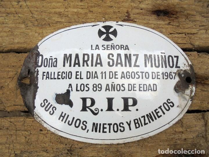 ANTIGUA PLACA ESMALTADA FUNERARIA 1967 - CEMENTERIO, TUMBA, LÁPIDA (Coleccionismo - Carteles y Chapas Esmaltadas y Litografiadas)