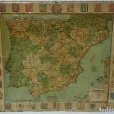 Carteles: MAPA METALICO DE ESPAÑA CON ESCUDOS EN RELIEVE DE SERVUS Y KAOL (AÑO 1929). . Lote 129110915
