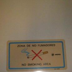 Carteles: PEQUEÑO CARTEL IBERIA ÁREA DE NO FUMADORES NO SMOKING AREA. INTERIOR DE AVIÓN. ORIGINAL.. Lote 130314806