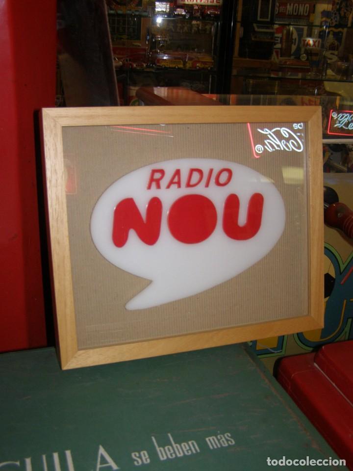 CARTEL RADIO TELEVISIÓN VALENCIANA.. ANTIGUOS ESTUDIOS DE RADIO NOU EN VALENCIA. ÚNICO PERIODISMO (Coleccionismo - Carteles y Chapas Esmaltadas y Litografiadas)