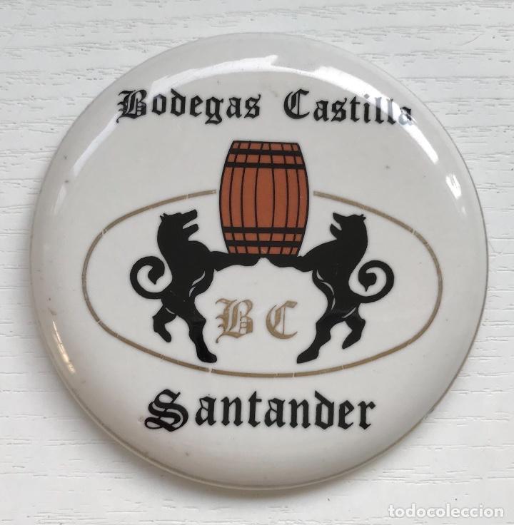 PEQUEÑA PLACA DE LOZA DE BODEGAS CASTILLA - SANTANDER (VINOS Y LICORES) (Coleccionismo - Carteles y Chapas Esmaltadas y Litografiadas)