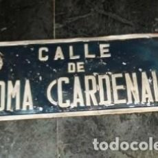 Carteles: RARA PLACA CALLE FRANQUISTA - CARDENAL ISIDRO GOMÁ (HOY PEDRO ARRUPE) - ZARAGOZA - PIEZA ÚNICA. Lote 132741282